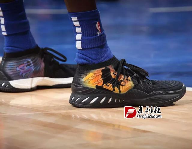 NBA球员今日上脚:保罗最新签名鞋来了,AND1经典战靴再现!