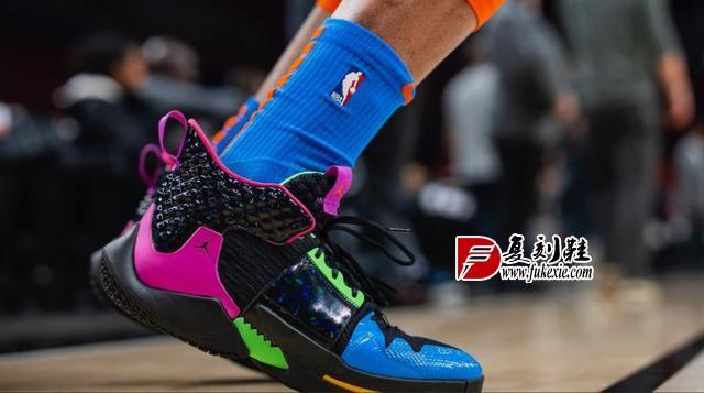 今日NBA球员上脚鞋
